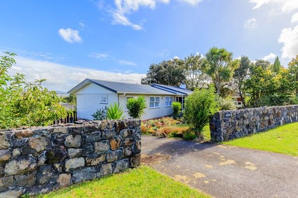 4 Waitaki Street, Henderson, Auckland - NZL (photo 2)