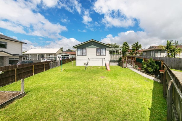 12 Patrice Place, Royal Heights, Auckland - NZL (photo 2)