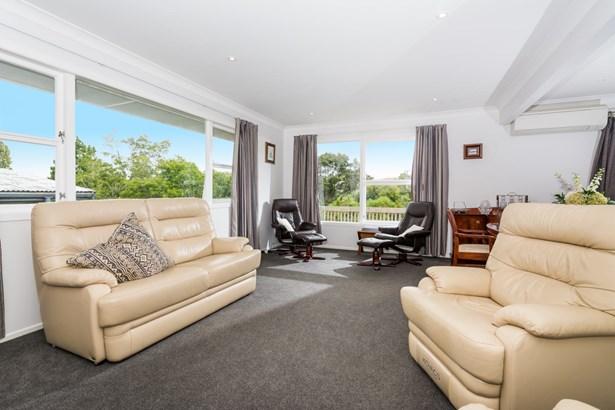 33 Aeroview Drive, Beach Haven, Auckland - NZL (photo 4)