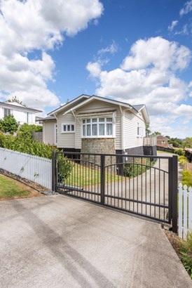 14 Shelly Bay Road, Beachlands, Auckland - NZL (photo 2)