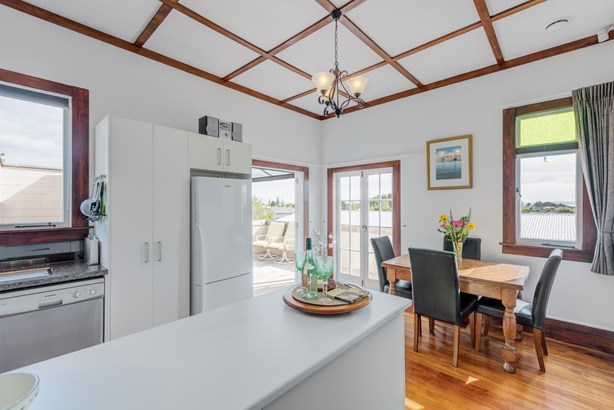 14 Shelly Bay Road, Beachlands, Auckland - NZL (photo 4)
