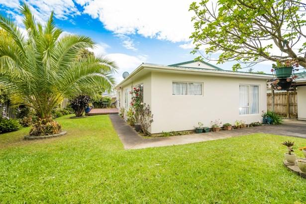 2/256b Birkdale Road, Birkdale, Auckland - NZL (photo 1)