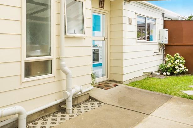 2/256b Birkdale Road, Birkdale, Auckland - NZL (photo 2)