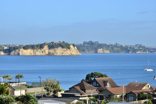 1/49 De Luen Avenue, Tindalls Beach, Auckland - NZL (photo 5)