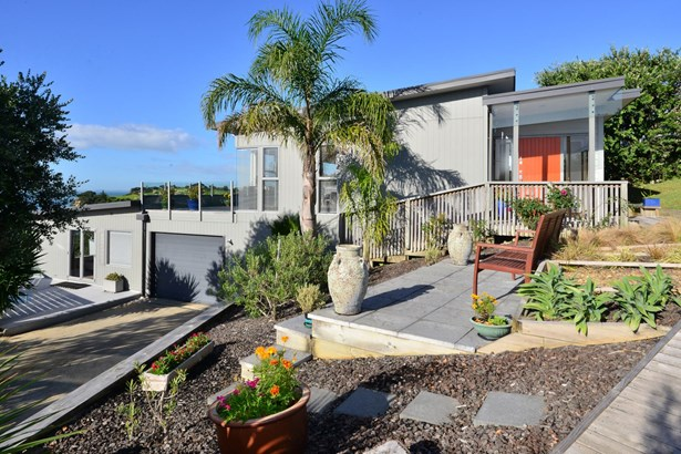 48 Wade River Road, Stanmore Bay, Auckland - NZL (photo 1)