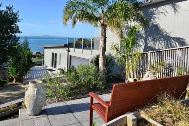 48 Wade River Road, Stanmore Bay, Auckland - NZL (photo 3)