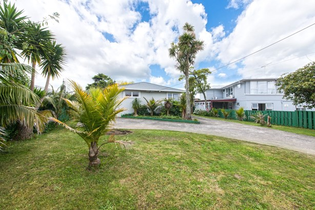 6 Divich Avenue, Te Atatu South, Auckland - NZL (photo 2)