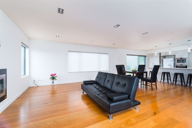 573c Mt Eden Road, Mt Eden, Auckland - NZL (photo 2)