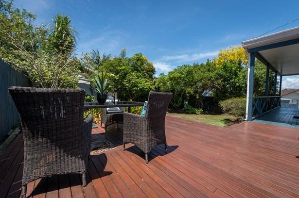 1/6 Sandgate Avenue, Botany Downs, Auckland - NZL (photo 2)