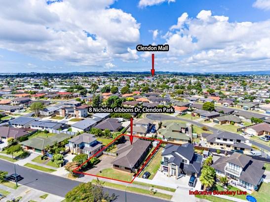 8 Nicholas Gibbons Drive, Manurewa, Auckland - NZL (photo 2)