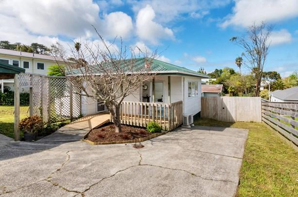 35 Puriri Street, Helensville, Auckland - NZL (photo 2)