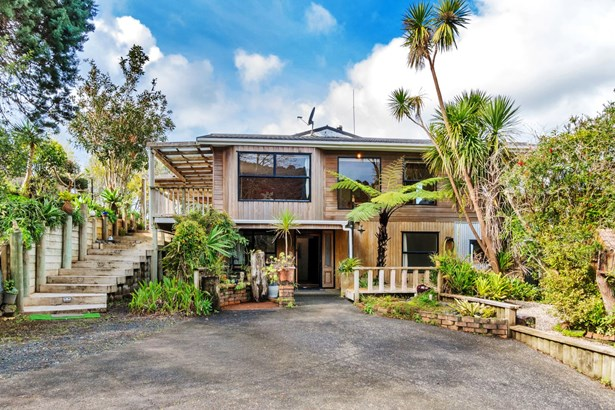 695 Huia Road, Parau, Auckland - NZL (photo 1)