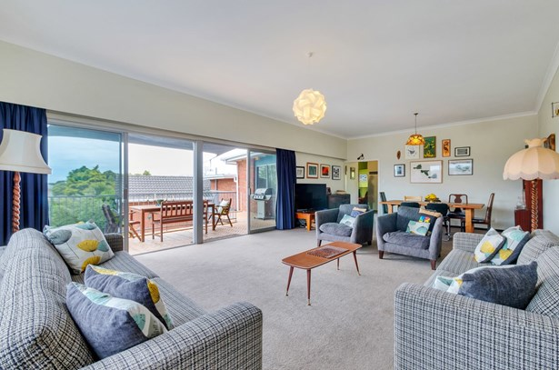 330 Te Atatu Road, Te Atatu South, Auckland - NZL (photo 3)