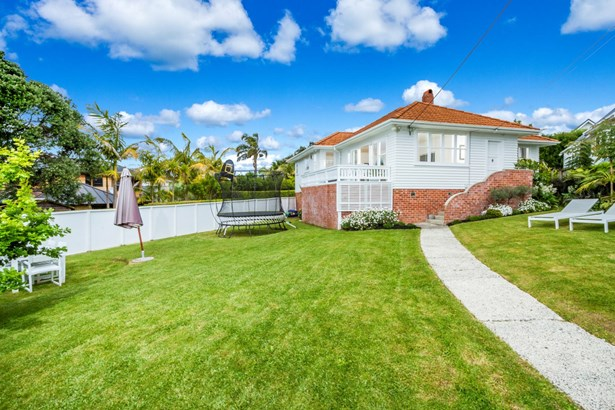 16 View Road, Campbells Bay, Auckland - NZL (photo 1)