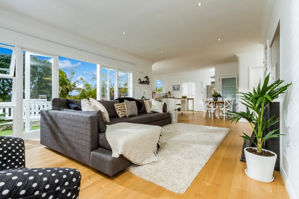 16 View Road, Campbells Bay, Auckland - NZL (photo 2)