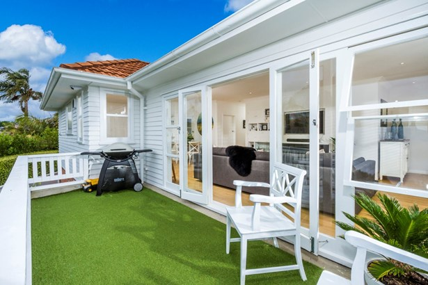 16 View Road, Campbells Bay, Auckland - NZL (photo 3)