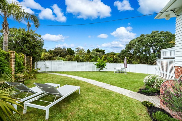 16 View Road, Campbells Bay, Auckland - NZL (photo 5)