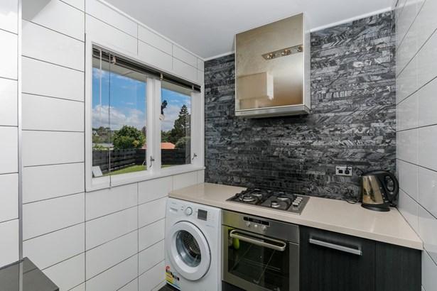 10 Ngatoa Place, Glenfield, Auckland - NZL (photo 4)