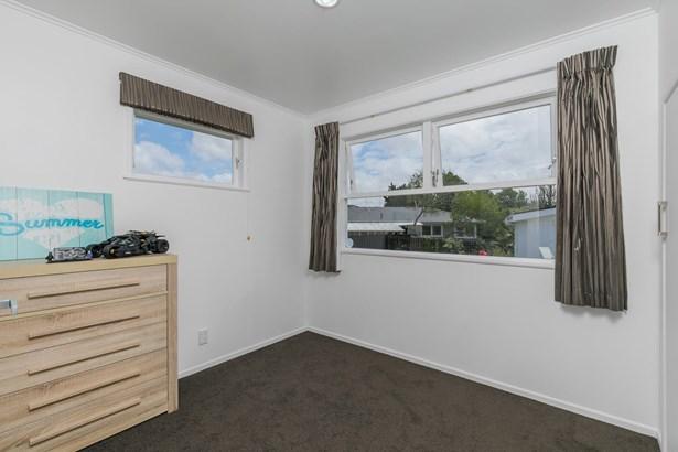 10 Ngatoa Place, Glenfield, Auckland - NZL (photo 5)