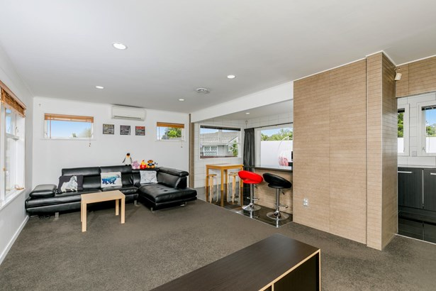 10 Ngatoa Place, Glenfield, Auckland - NZL (photo 1)