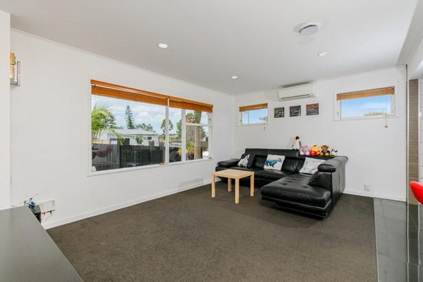 10 Ngatoa Place, Glenfield, Auckland - NZL (photo 2)