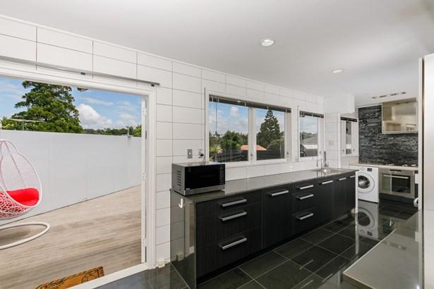 10 Ngatoa Place, Glenfield, Auckland - NZL (photo 3)