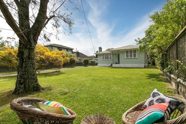 152 Atkinson Road, Titirangi, Auckland - NZL (photo 2)
