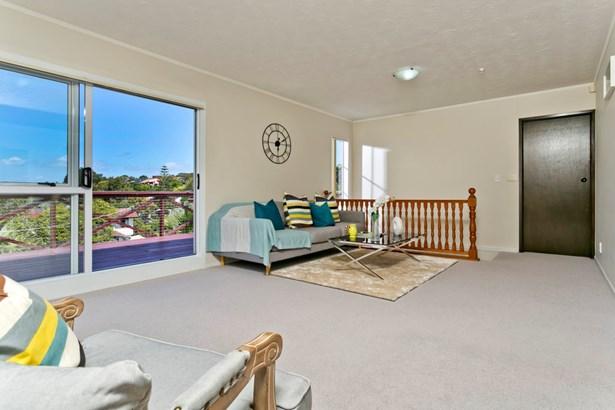 88 Stapleford Crescent, Browns Bay, Auckland - NZL (photo 2)
