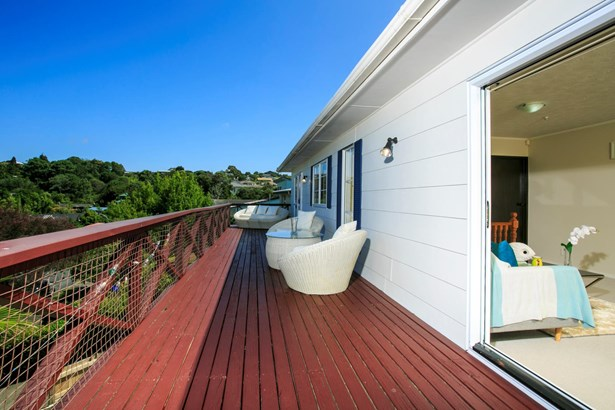 88 Stapleford Crescent, Browns Bay, Auckland - NZL (photo 4)