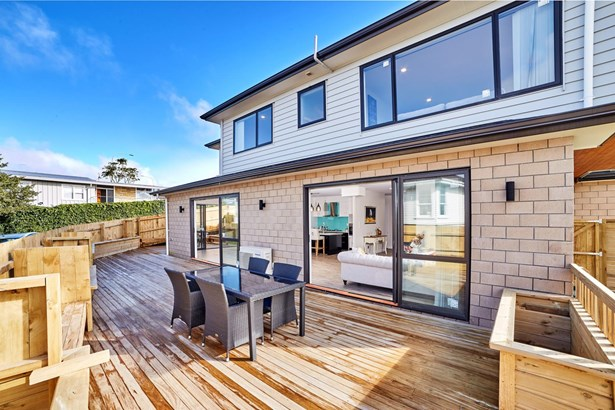 291 Te Atatu Road, Te Atatu South, Auckland - NZL (photo 3)