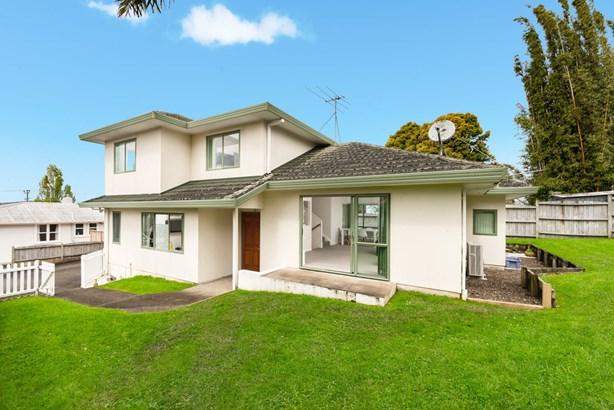 8a Kelwyn Road, Kelston, Auckland - NZL (photo 2)