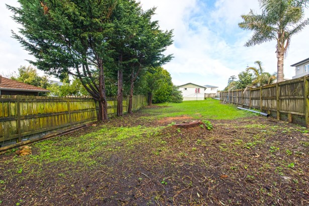 70 Commodore Drive, Lynfield, Auckland - NZL (photo 3)