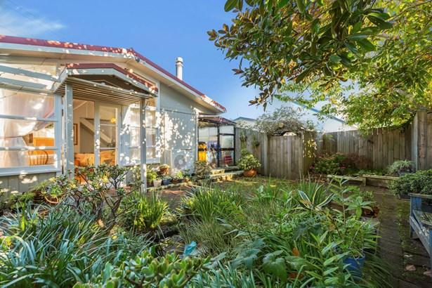 2 Leigh Terrace, Bayview, Auckland - NZL (photo 2)