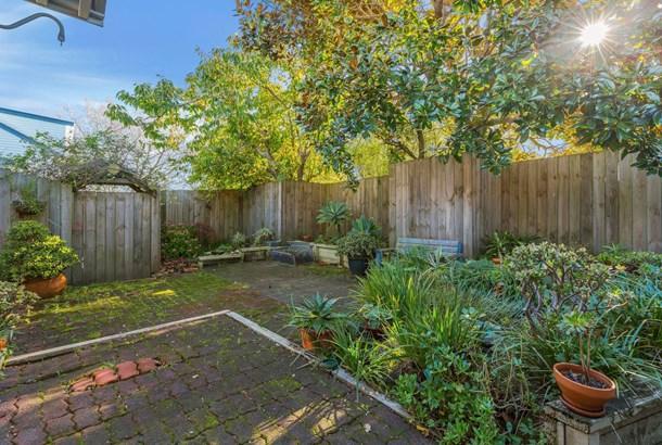 2 Leigh Terrace, Bayview, Auckland - NZL (photo 3)
