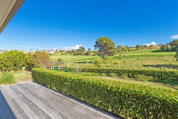 84 Island View Drive, Gulf Harbour, Auckland - NZL (photo 2)