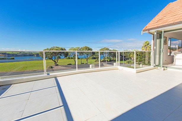 84 Island View Drive, Gulf Harbour, Auckland - NZL (photo 3)