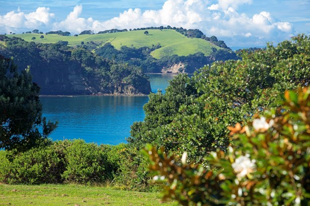 84 Island View Drive, Gulf Harbour, Auckland - NZL (photo 4)