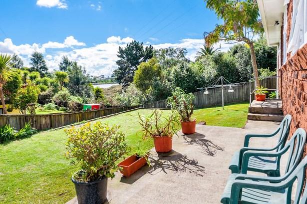 32 Cobham Crescent, Kelston, Auckland - NZL (photo 1)