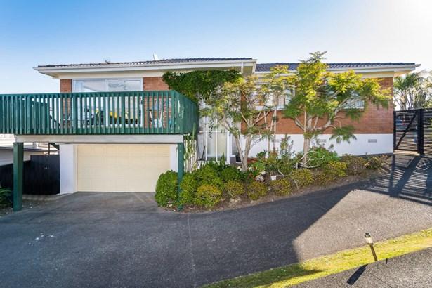 16 Glendhu Road, Glenfield, Auckland - NZL (photo 1)
