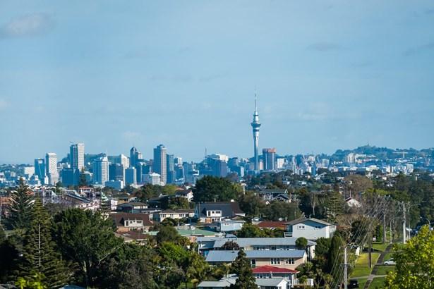 16 Glendhu Road, Glenfield, Auckland - NZL (photo 4)