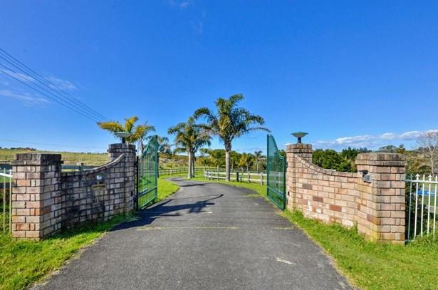 124 Vaughans Road, Long Bay, Auckland - NZL (photo 4)