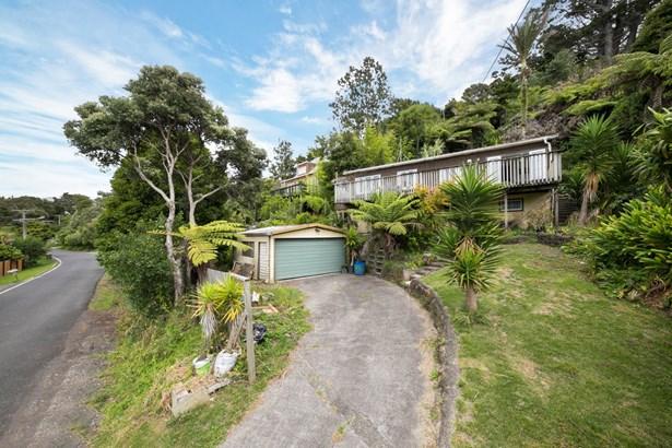 19 Kauri Point Road, Laingholm, Auckland - NZL (photo 1)