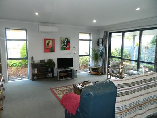 27 Canmore Street, Pokeno, Auckland - NZL (photo 5)