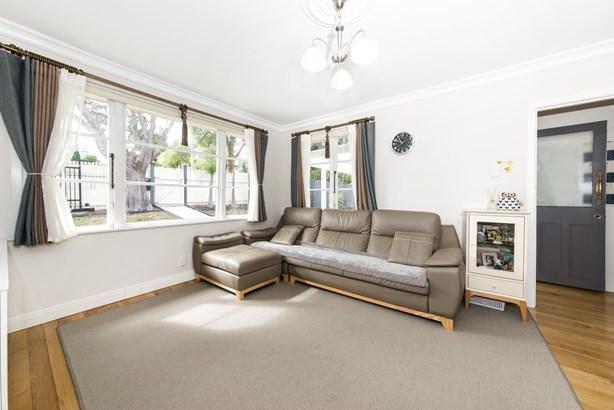 81 Whitney Street, New Windsor, Auckland - NZL (photo 5)