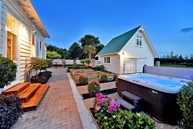 210 Clifton Road, Whitford, Auckland - NZL (photo 5)