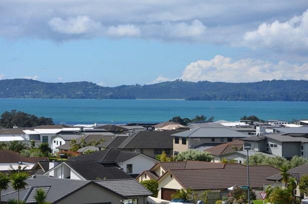 21 Thistle Close, Beachlands, Auckland - NZL (photo 1)