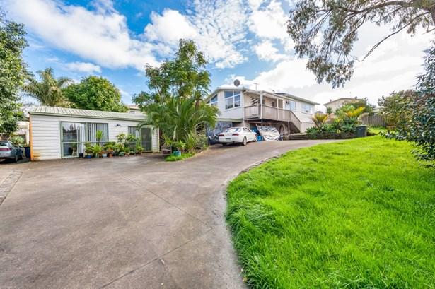 15 Reynella Drive, Massey, Auckland - NZL (photo 2)