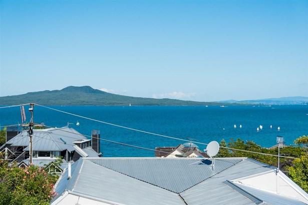 20b & 20a Beach Road, Castor Bay, Auckland - NZL (photo 3)