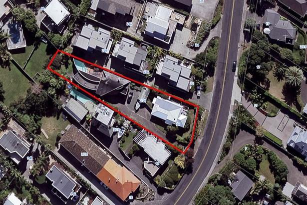 20b & 20a Beach Road, Castor Bay, Auckland - NZL (photo 4)