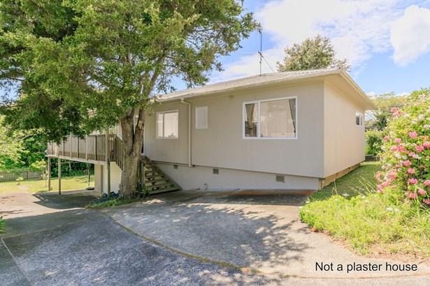 1/12 Montgomery Avenue, Belmont, Auckland - NZL (photo 4)
